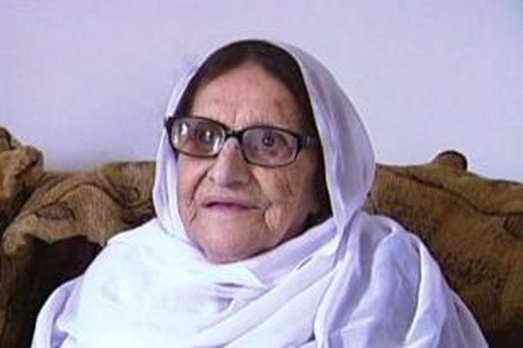 Aziza Rawaini, warga tertua yang menjadi warga negara Australia.