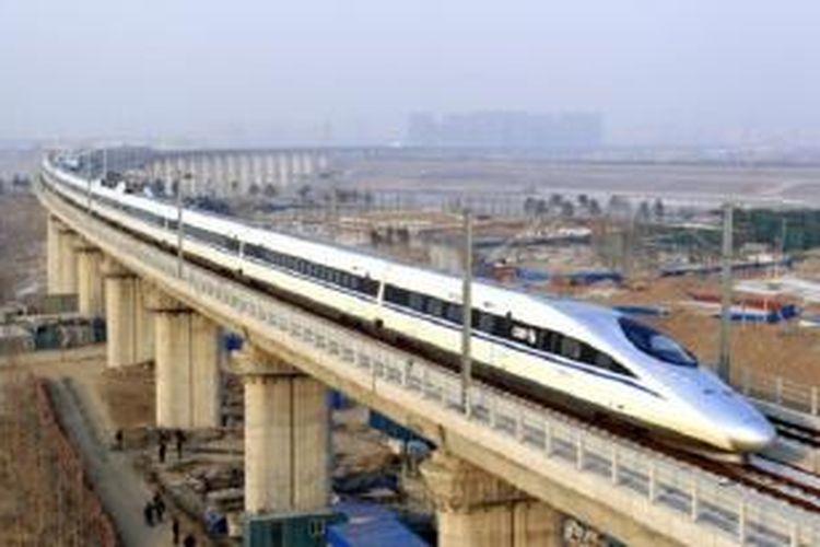 Tiongkok-Rusia bangun kereta supercepat berbiaya 230 miliar dollar AS.