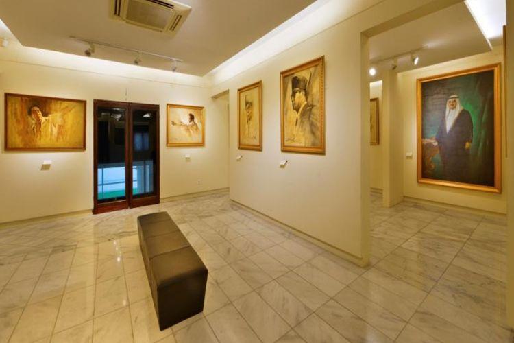 Ruang pameran koleksi lukisan di Museum Basoeki Abdullah di Cilandak Barat, Jakarta Selatan.