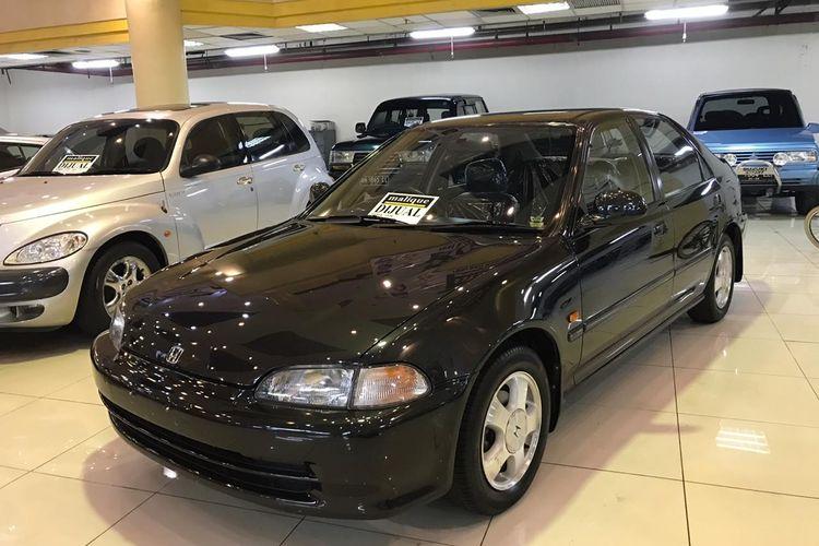 Honda Civic Genio jadi salah satu yang dipajang di showroom Malique Selatan Djakarta, Blok M Mall Lt. Basement