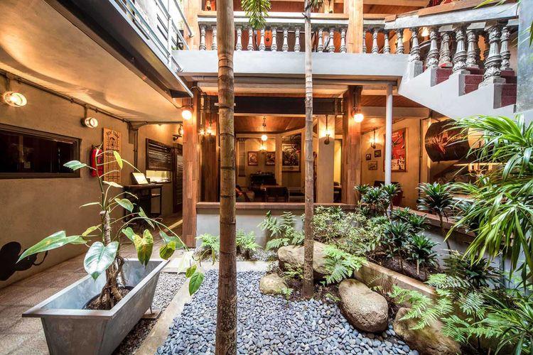 Desain courtyard ala tropis karya RDMA