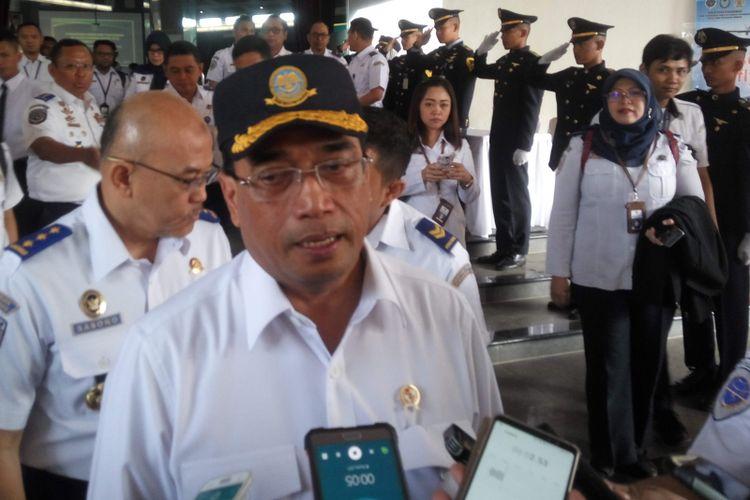 Menteri Perhubungan Budi Karya Sumadi saat diwawancarai di Tangerang, Rabu (20/2/2019).