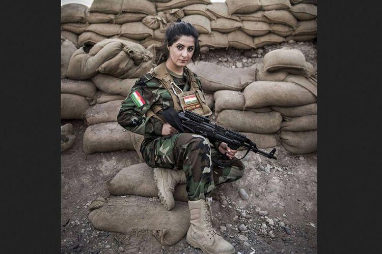 Joanna Palani (26), perempuan yang bergabung dengan kelompok yang memerangi ISIS di Suriah sebagai penembak runduk.