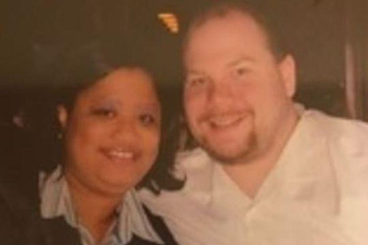 Eika dan Gregory Greenman ditemukan telah meninggal di tempat tidur akibat Covid-19 di ruang bawah tanah rumahnya.