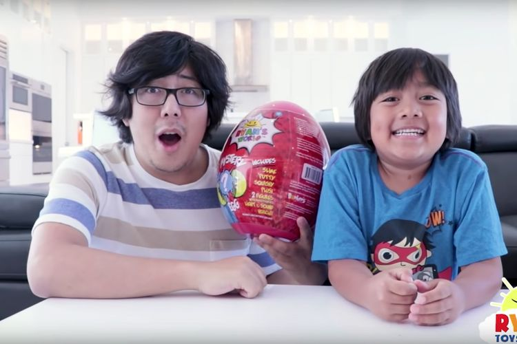 YouTube Channel Ryan ToysReview Under Fire for Allegedly Targeting Preschoolers with Paid Ads  https://www.youtube.com/watch?v=jKNCqZgEW98  Credit: Ryan Toysreview/Youtube