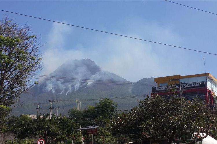 Situasi kebakaran di Gunung Panderman Kota Batu, Jawa Timur, Senin (22/7/2019)