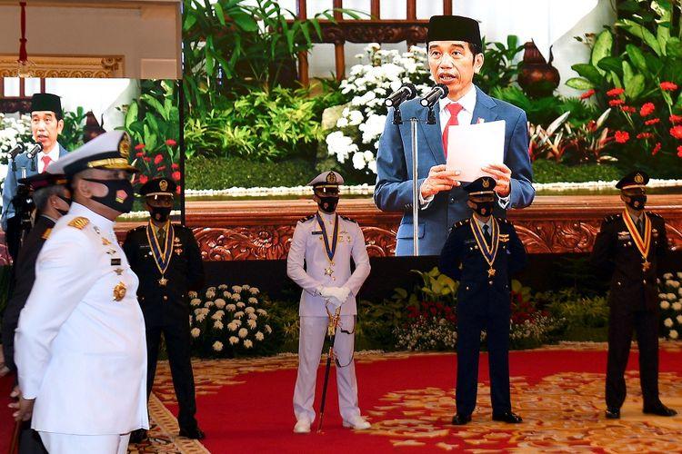 Sejumlah perwira remaja peraih Adhi Makayasa mendengarkan pengarahan dari Presiden Joko Widodo dalam Prasetya Perwira (PRASPA) TNI dan POLRI Tahun 2020 di Istana Negara, Jakarta, Selasa (14/7/2020). ANTARA FOTO/Sigid Kurniawan/POOL/foc.
