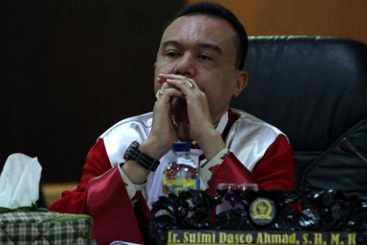 Wakil Ketua Mahkamah Kehormatan Dewan (MKD) Sufmi Dasco Ahmad saat mendengar keterangan Menteri Energi dan Sumber Daya Mineral Sudirman Said dalam sidang terbuka Mahkamah Kehormatan Dewan di Gedung Parlemen, Jakarta, Rabu (2/12/2015).