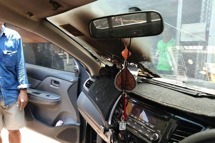 Ponsel milik wanita Thailand bernama Ying Yupa Anan meledak saat ditinggal di mobil, pekan lalu, meninggalkan bekas hangus dan lubang di kaca depan.