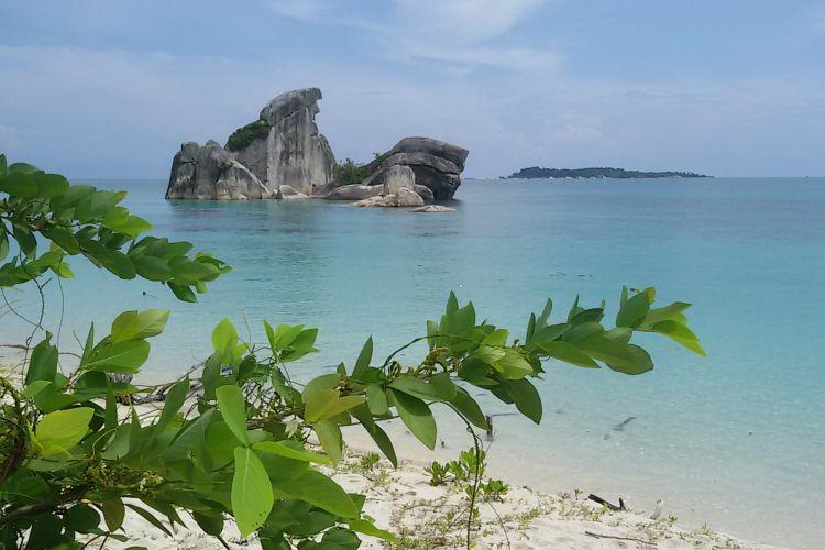 Salah satu gugusan bebatuan granit di Tanjung Kelayang, Belitung.
