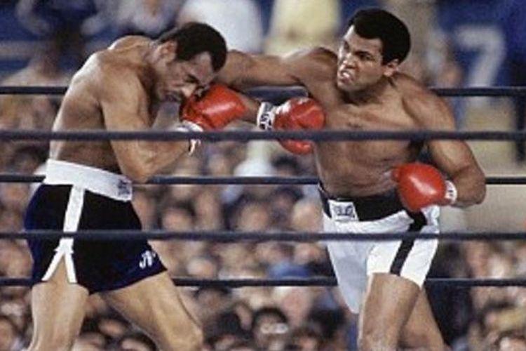 Muhammad Ali (kanan)
