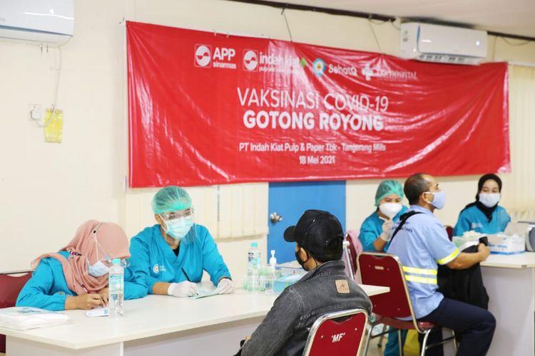 PT Indah Kiat Pulp & Paper, Tbk Tangerang Mill melaksanakan program Vaksin Gotong Royong.