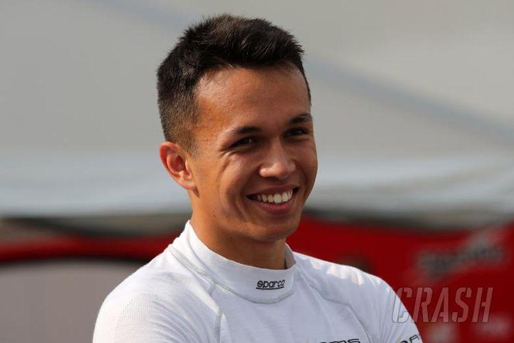 Pebalap Thailand, Alexander Albon, akan membalap di Formula 1 2019 bersama tim Toro Rosso.