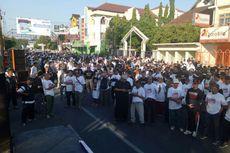 Berita Populer: Demo Ganti Presiden di Depan Markobar hingga Kisah Nining Sunarsih