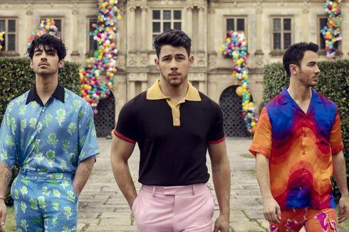Jonas Brothers Gaet Pasangan Masing-masing Bintangi Video Musik Sucker