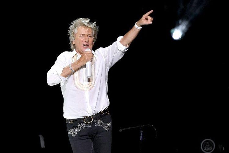 Rocker legendaris Rod Stewart tampil di Madison Square Garden, New York City, AS, pada 7 Agustus 2018.