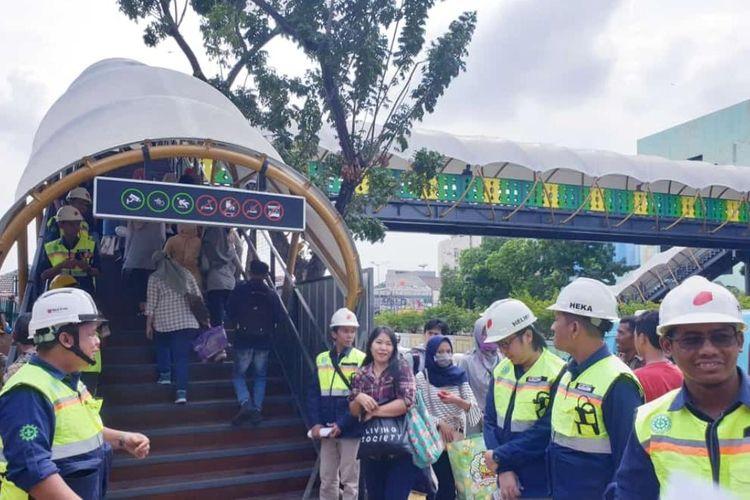 Jembatan Penyeberangan Orang (JPO) Pasar Minggu, Jakarta Selatan, selesai dibangun dan sudah dapat digunakan mulai Selasa (31/12/2019) ini. JPO itu menggantikan JPO yang roboh pada 2016.