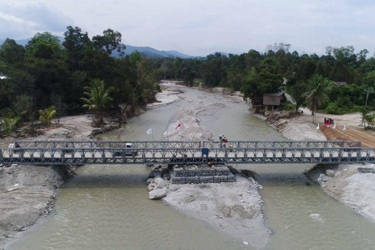 Jembatan Bailey di Desa Baloli, Kabupaten Luwu Utara, Provinsi Sulawesi Selatan,