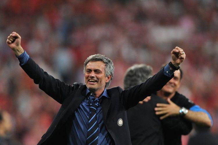 Jose Mourinho saat merayakan gelar juara Liga Champions 2009-2010 sebagai pelatih Inter Milan di Stadion Santiago Bernabeu. Inter Milan keluar sebagai juara seusai mengalahkan Bayern Muenchen 2-0.