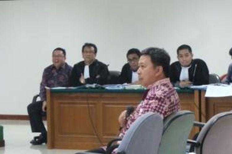 Direktur PT Inovasi Teknologi Indonesia Sukotjo S Bambang bersaksi untuk Direktur PT CMMA Budi Susanto dalam sidang kasus dugaan korupsi simulator SIM di Pengadilan Tindak Pidana Korupsi, Jakarta, Selasa (29/10/2013).