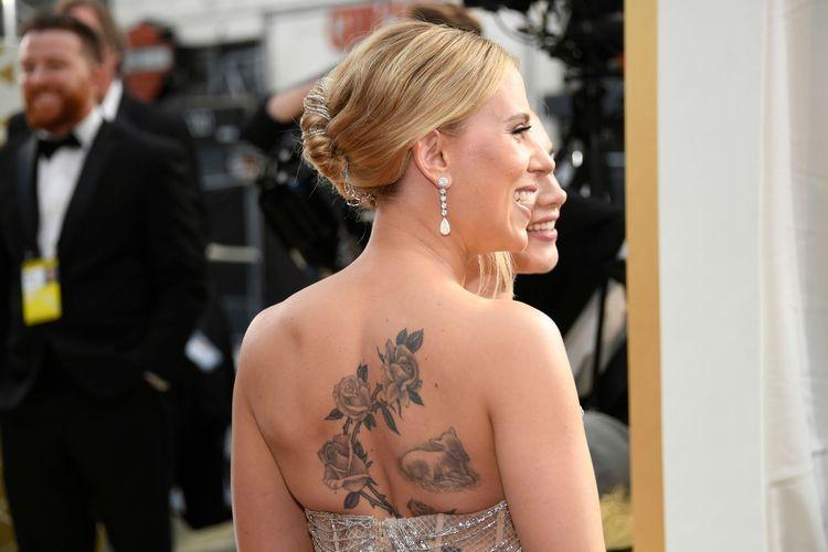 Aktris Scarlett Johansson saat menghadiri Academy Awards ke-92 atau Piala Oscar 2020, Minggu (9/2/2020) malam waktu Los Angeles, Amerika Serikat.