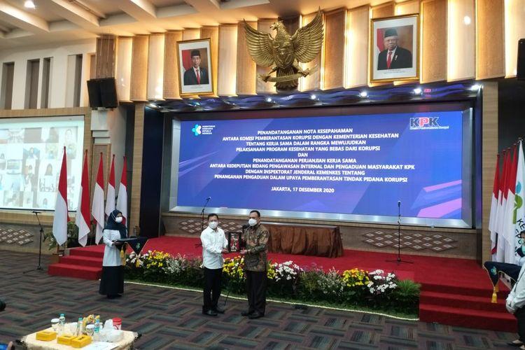 Ketua KPK Firli Bahuri dan Menteri Kesehatan Terawan Agus Putranto dalam acara penandatanganan nota kesepahaman di Kantor Kemenkes RI, Kamis (17/12/2020).