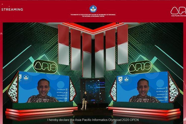 Mendikbud Nadiem Makarim saat membuka Asia Pacific Informatics Olympiad (APIO) ke-13 secara di Tangerang, Banten (14/8/2020).