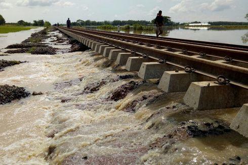 Kereta Menuju Jakarta Mulai Diberangkatkan Setelah Terhambat Banjir Cirebon