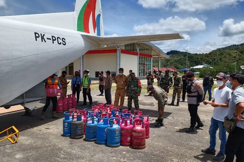 Untuk Pertama Kalinya, Elpiji Diterbangkan ke Perbatasan RI-Malaysia