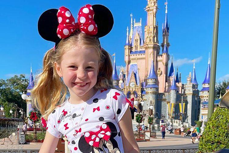 Anastasia Radzinskaya, bocah Rusia berusia enam tahun yang kini tinggal di AS ini menjadi salah satu Youtuber terkaya di dunia berdasarkan ulasan Forbes pada tahun ini.