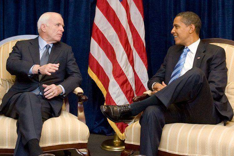 Senator John McCain dan Barack Obama yang sebelumnya bersaing dalam pemilihan presiden bertemu di Chicago beberapa hari setelah Obama terpilih menjadi presiden Amerika Serikat. Pertemuan ini terjadi pada 17 November 2008.