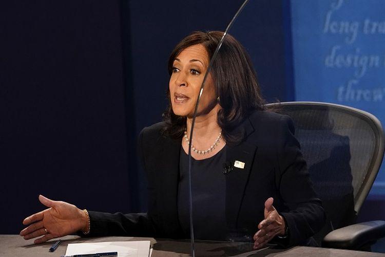 Calon wakil presiden (cawapres) dari Partai Demokrat Kamala Harris mengungkapkan pendapatnya dalam debat cawapres AS, Rabu (7/10/2020), di Kingsbury Hall di kampus University of Utah, Salt Lake City, Utah, AS.