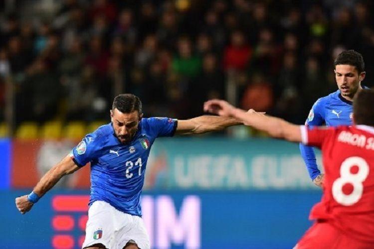 Aksi penyerang Italia, Fabio Quagliarella (27), saat pertandingan Grup J Kualifikasi  Euro 2020 antara Italia vs Liechtenstein pada 26 Maret 2019 di Stadion Ennio-Tardini di Parma.