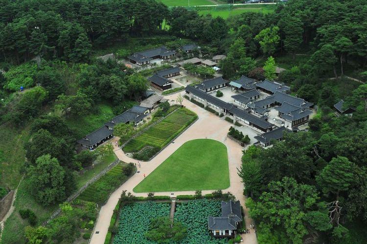 Seongyojang House, rumah bangsawan asal Dinasti Joseon di Gangwon, Korea Selatan.