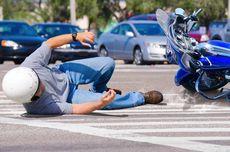 Tabrak Sepatbor Mobil Boks, Pengendara Motor Jatuh dan Tewas di Tempat