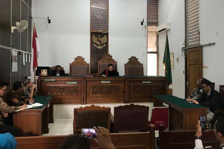 Hakim Ketua Sudjarwanto saat sidang pembacaan putusan di Pengadilan Negeri Jakarta Selatan, Selasa (1/10/2019).