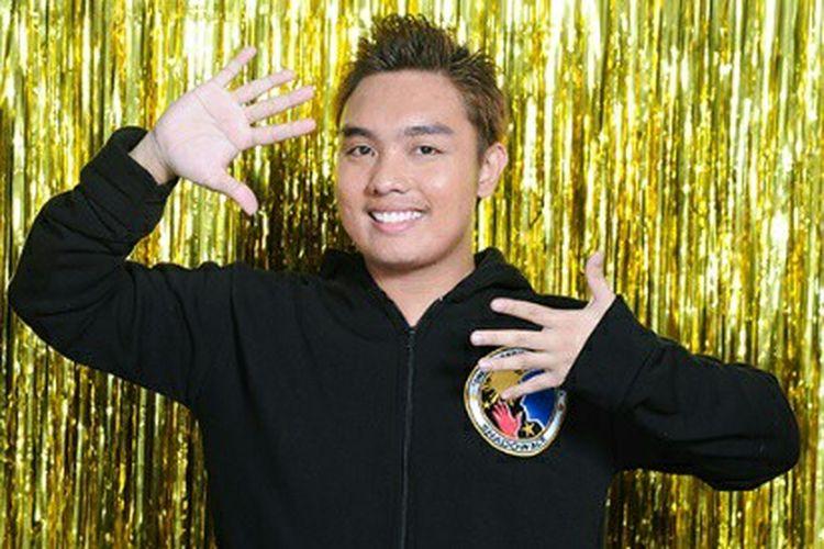 Kontestan Asias Got Talent Philip Galit Shadow Ace.