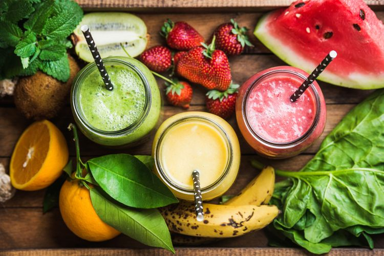 Ilustrasi smoothies buah dan sayuran
