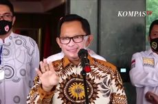 Saat Mendagri Tito Karnavian Gunakan Masker Bergambar Wajahnya Sendiri