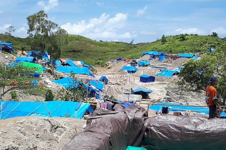 Puluhan tokoh adat Pulau Buru mendesak Pemerintah Provinsi Maluku menertibkan kawasan Gunung Botak dari aktivitas penambangan ilegal di sana.