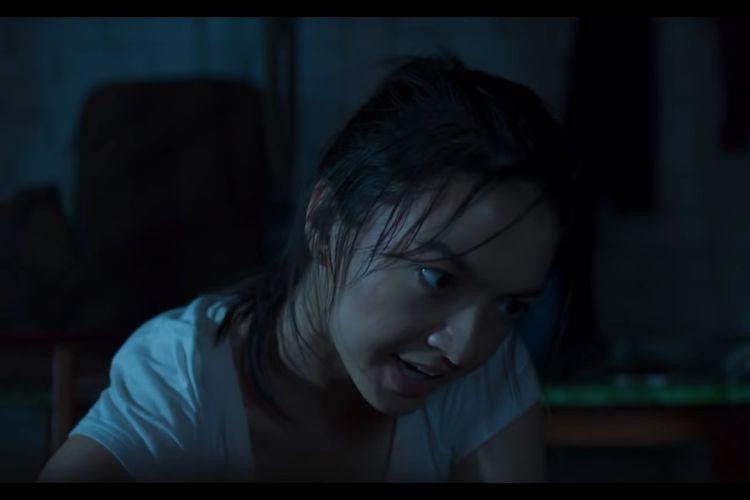 Salah satu cuplikan film Police Evo yang dibintangi Raline Shah.