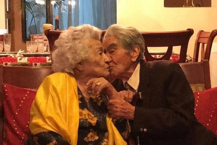 Julio Cesar Mora Tapia (110) dan sang istri, Waldramina Maclovia Quinteros Reyes (104). Pasangan tertua di dunia itu membeberkan rahasia kemesraan mereka setelah menikah selama 79 tahun.