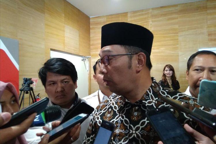 Gubernur Jawa Barat Ridwan Kamil saat menjelaskan tentang sosialisasi Rindekraf dan kesiapan Jawa Barat dalam menerbitkan obligasi daerah serta pusat ekonomi kreatif di Jakarta, Senin (15/7/2019).