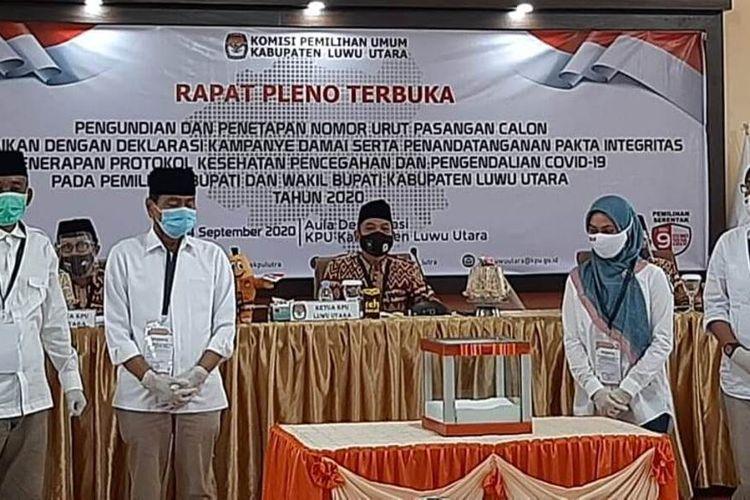 Rapat pleno terbuka pengundian dan penetapan nomor urut pasangan calon di KPU Luwu Utara, Kamis (24/09/2020)
