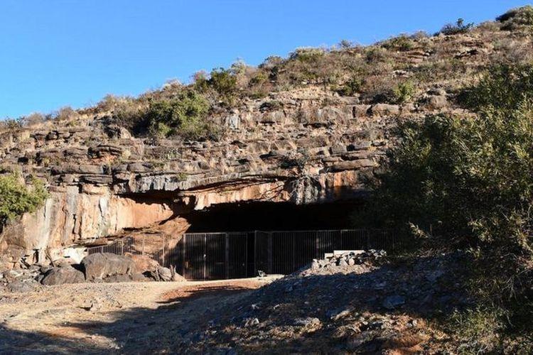Rumah tertua di dunia yang berusia dua juta tahun ditemukan di dalam Gua Wonderwerk.