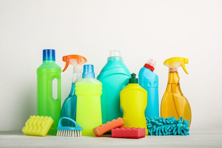 Ilustrasi produk pembersih rumah.