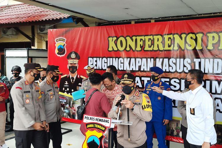 Kapolda Jawa Tengah, Irjen Pol Ahmad Lutfi di Mapolres Rembang.