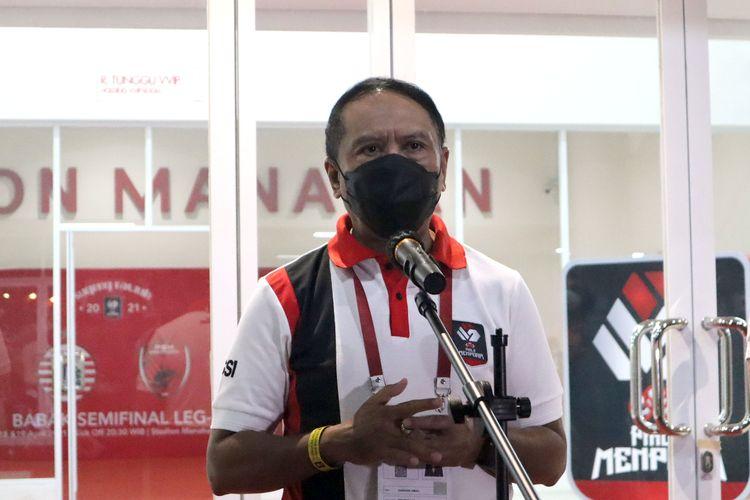 Menteri Pemuda dan Olahraga, Zainudin Amali saat memberi keterangan pers sebelum semifinal PIala Menpora 2021 leg kedua antara Persija Jakarta melawan PSM Makassar di Stadion Manahan Solo, Minggu (18/04/2021) malam.