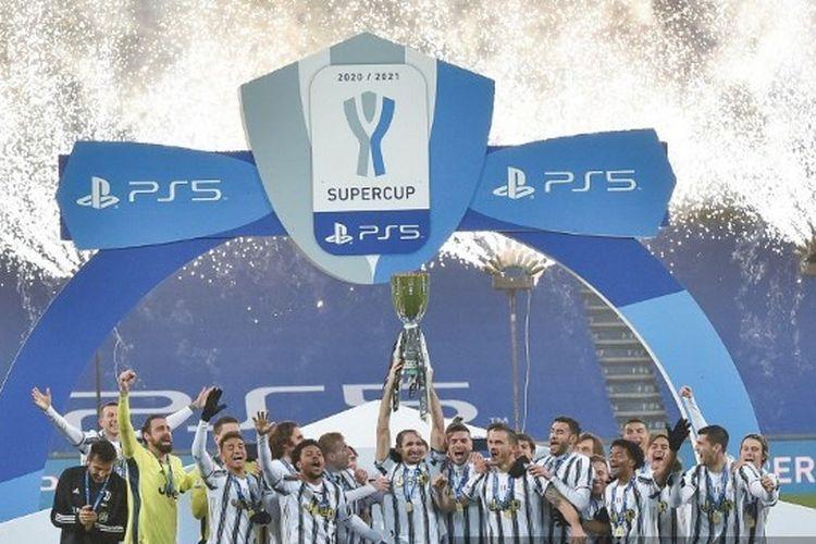 Juventus juara Piala Super Italia usai mengalahkan Napoli 2-0 di Stadion Mapei, Kamis (21/1/2021) dini hari WIB.