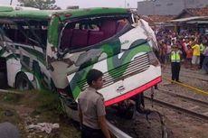 Tertabrak Kereta, Sopir Bus Haryanto Melarikan Diri